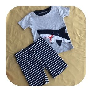 Carter's PJ Set Boys size 5